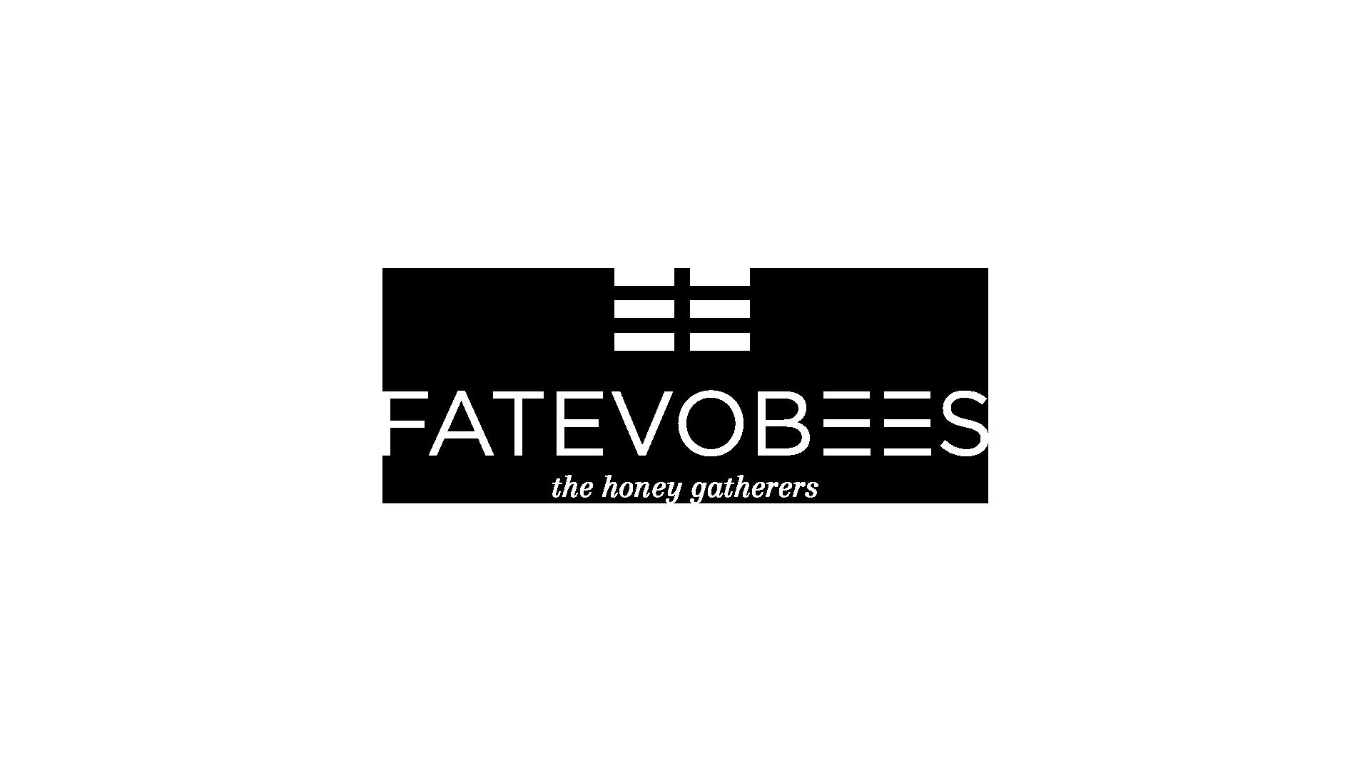 3_Fatevobees-logo-bianco_miele-in-favo-apicoltori-pino-fattori